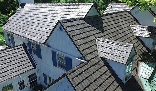 Metal shake roof, many angles